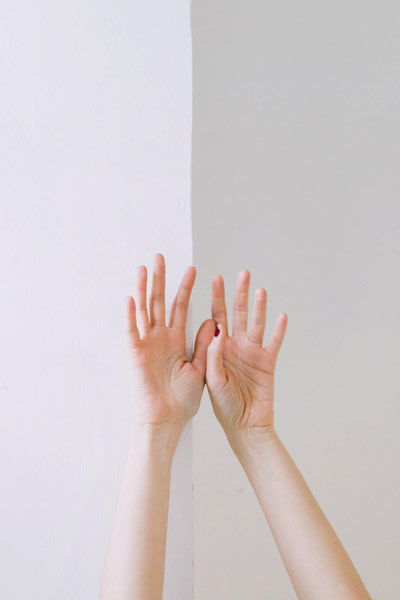 Easy Hand Posture