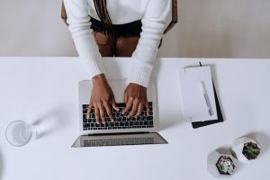 Hand posture when typing
